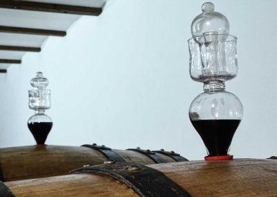 particolare-vino-rosso-botte-rovere-grande-franco-francesco